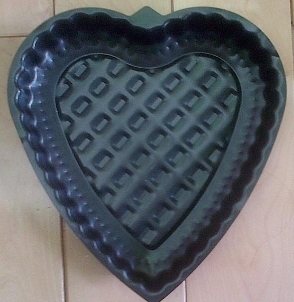 NON-STICK HEART SHAPED CAKE PAN
